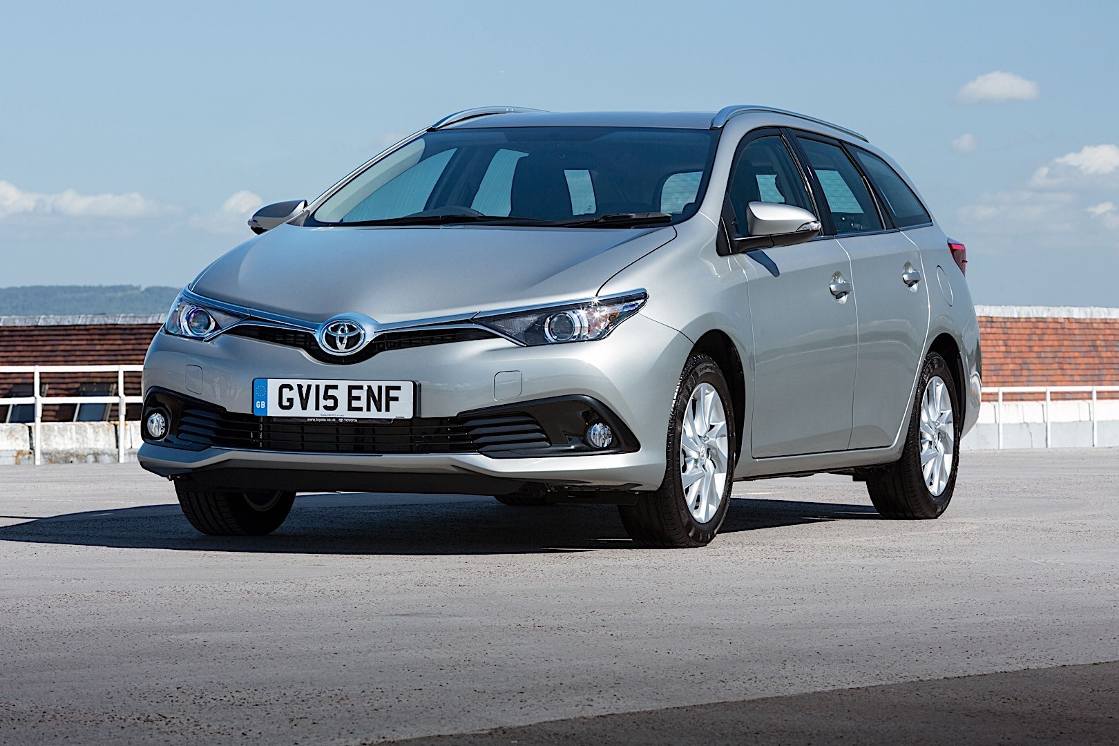 auris toyota touring sports autoevolution oldham chronicle exterior