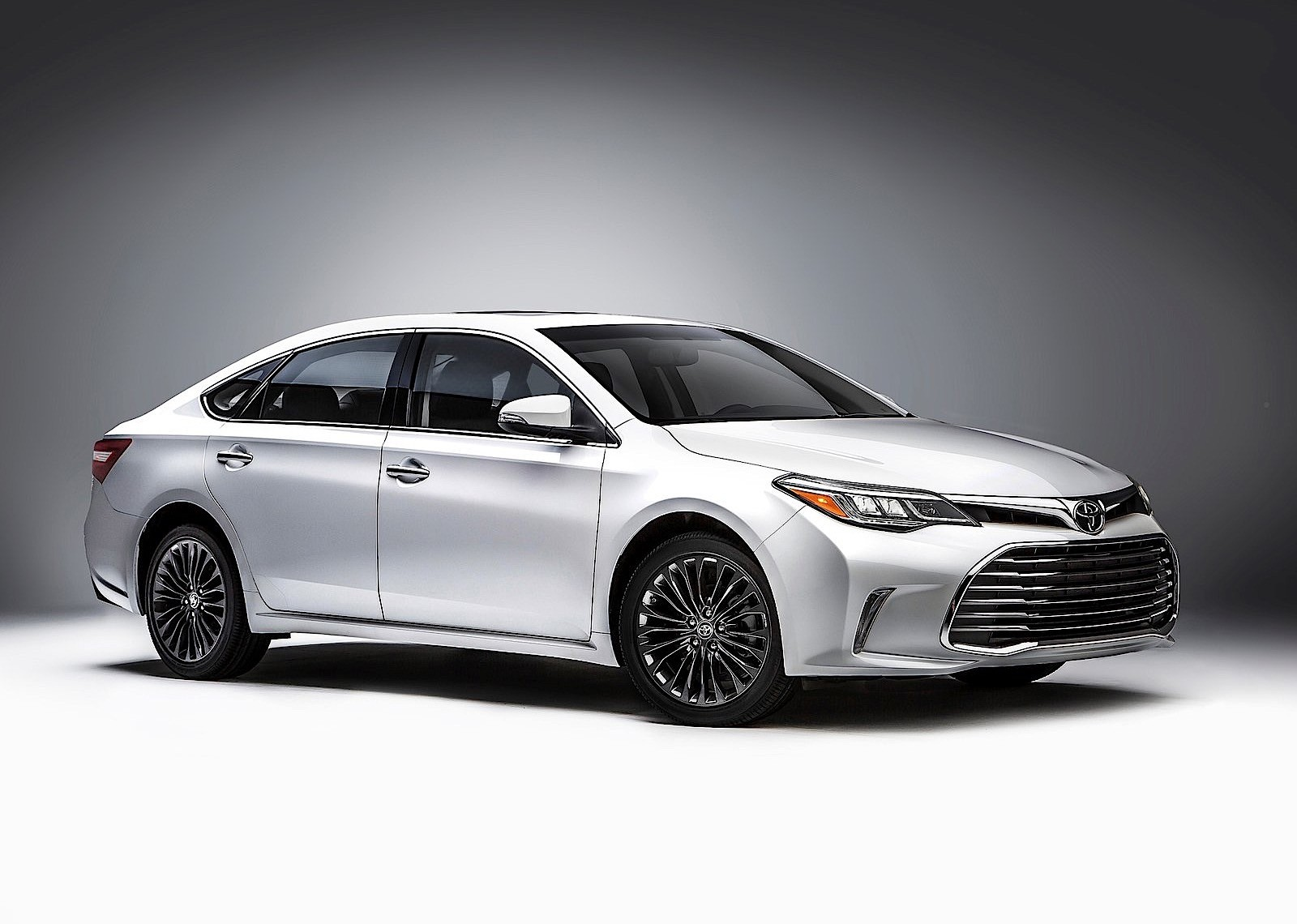 canada s a either collage toyota junior review avalon lexus or it limited