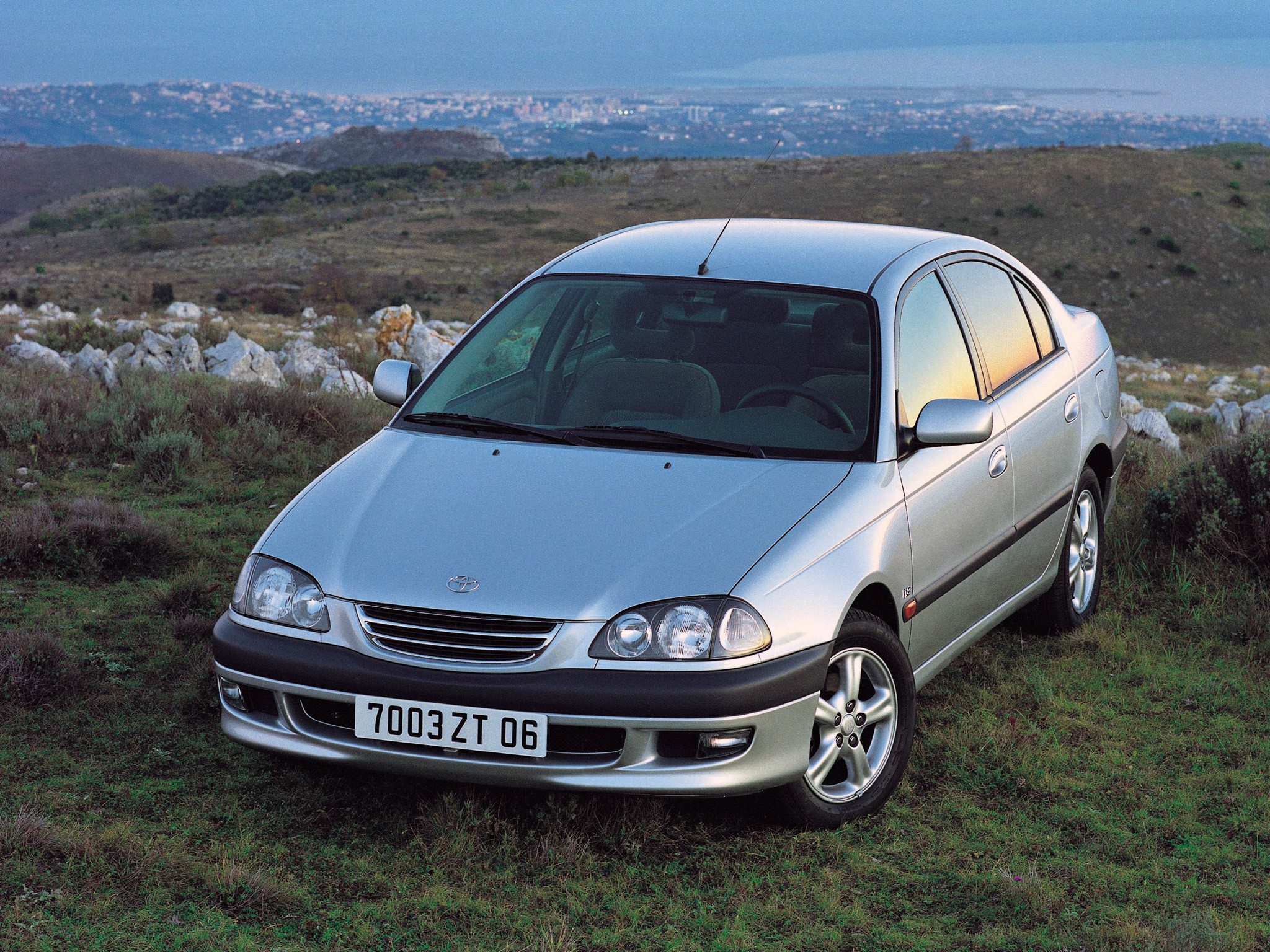 Toyota Avensis 1997 1998 1999 2000 Autoevolution