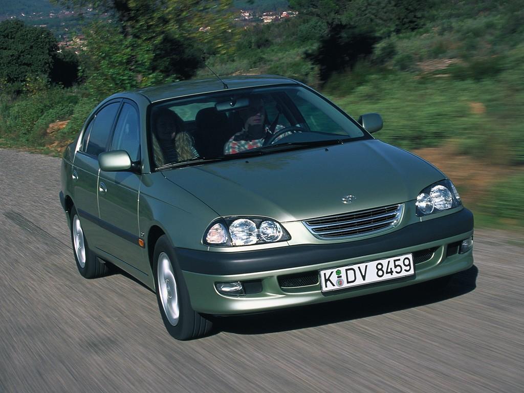 Toyota Avensis Specs Amp Photos 1997 1998 1999 2000