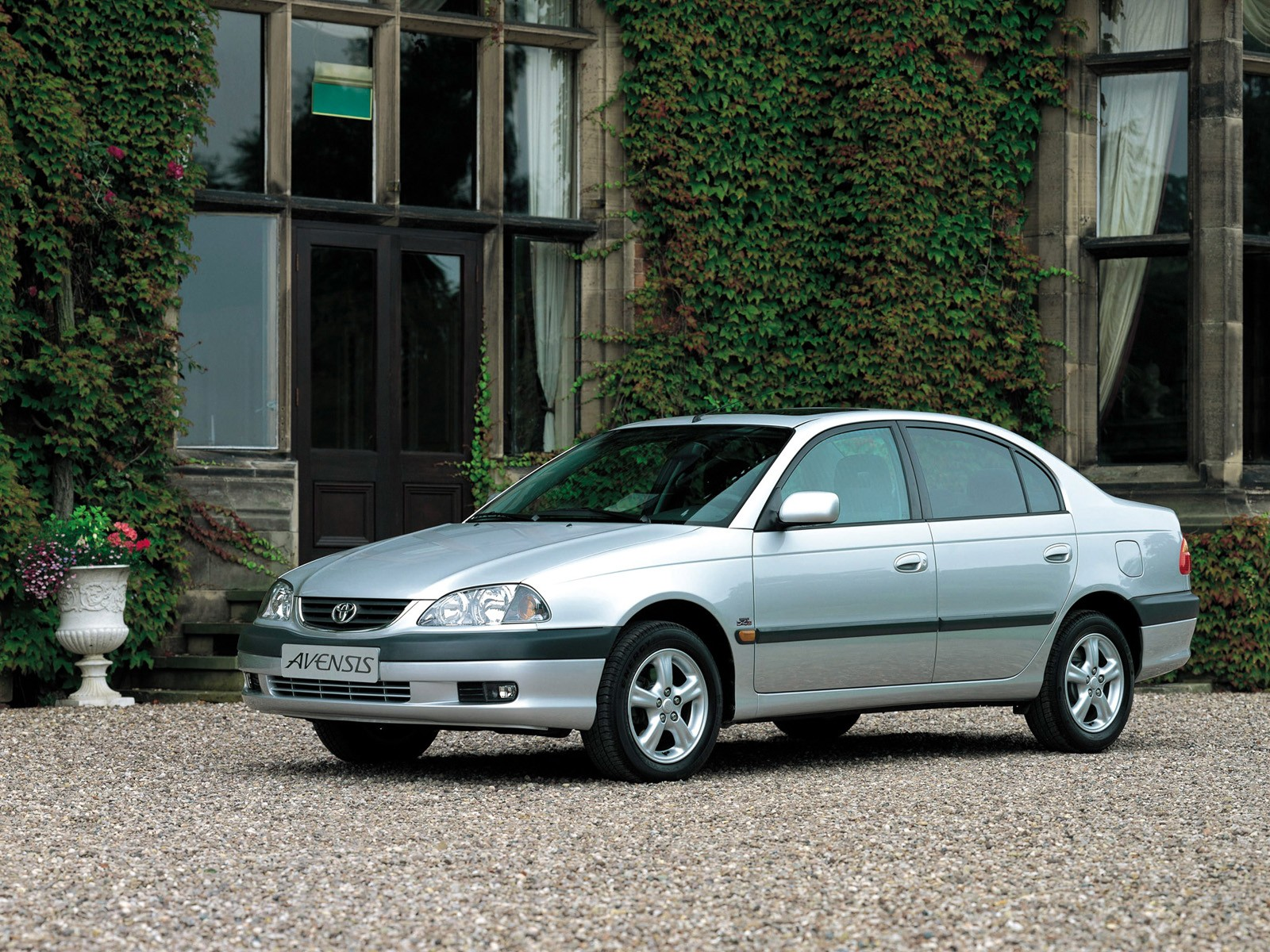 TOYOTA Avensis specs & photos - 2000, 2001, 2002, 2003 ...