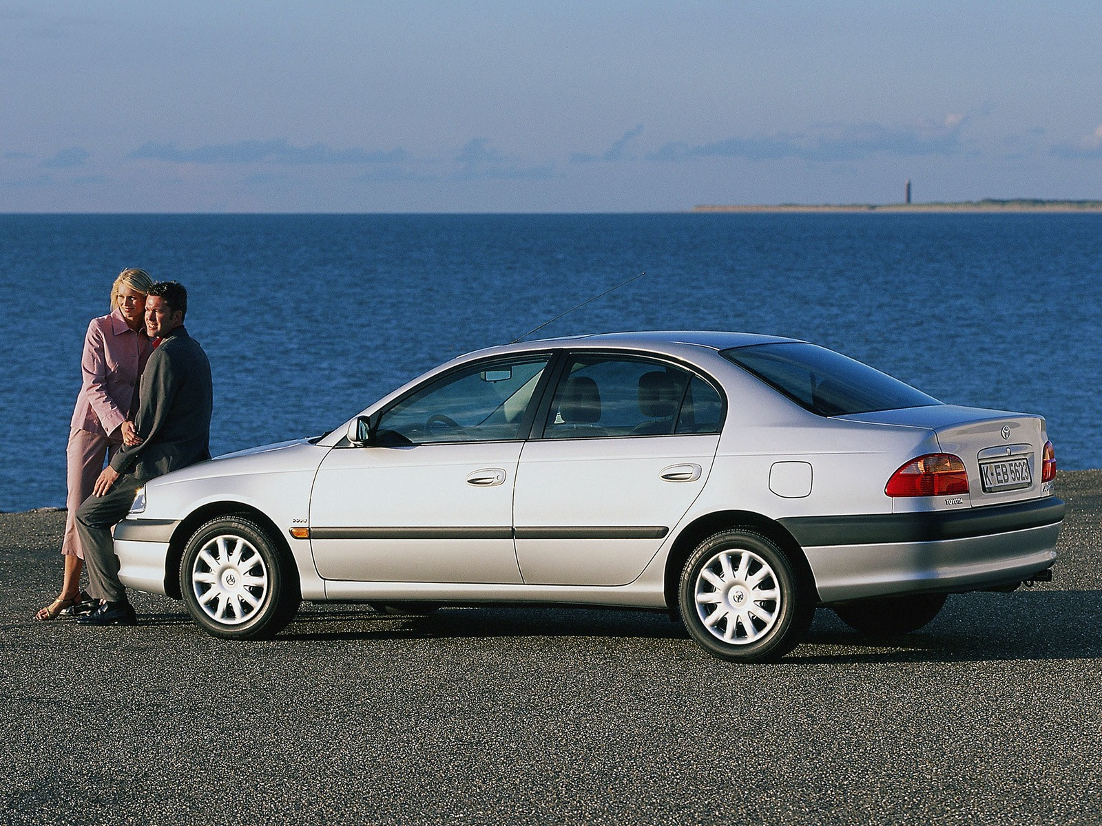 Toyota Avensis Specs 2000 2001 2002 2003 Autoevolution