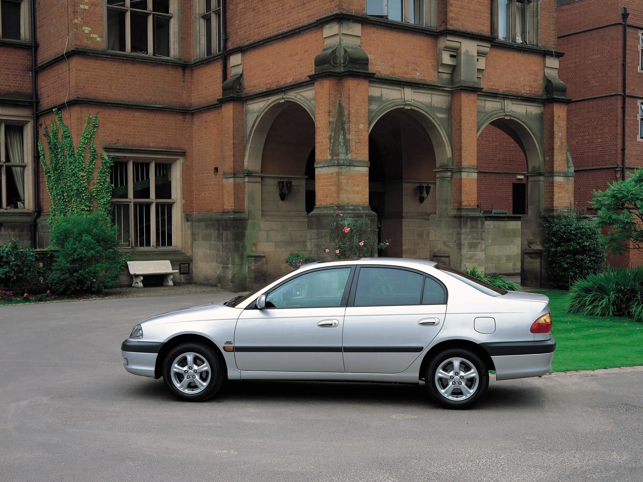 TOYOTA Avensis specs & photos - 2000, 2001, 2002, 2003 - autoevolution