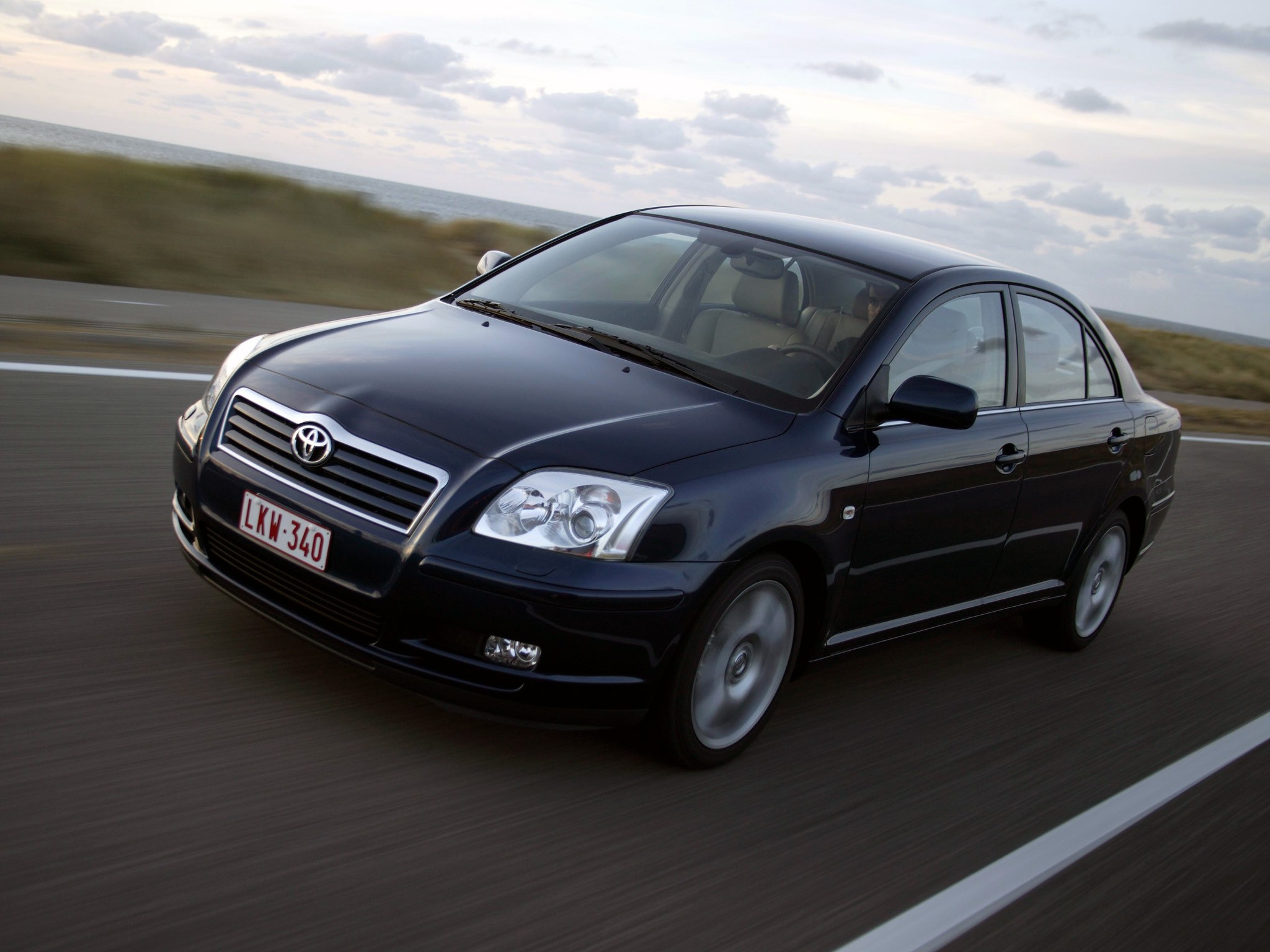 toyota avensis specs 2003 2004 2005 2006 autoevolution. Black Bedroom Furniture Sets. Home Design Ideas
