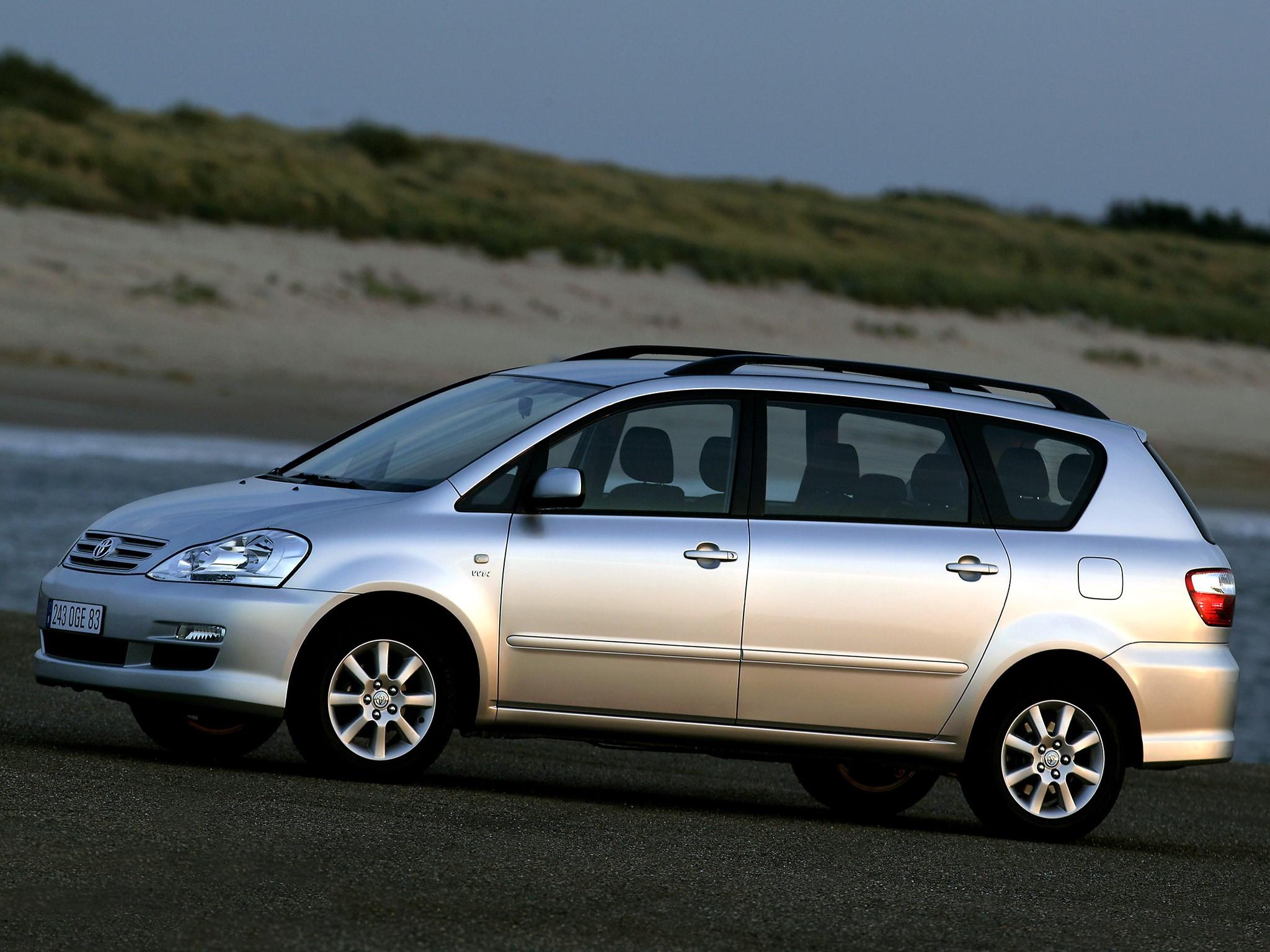 TOYOTA Avensis Verso specs & photos - 2003, 2004, 2005 ...