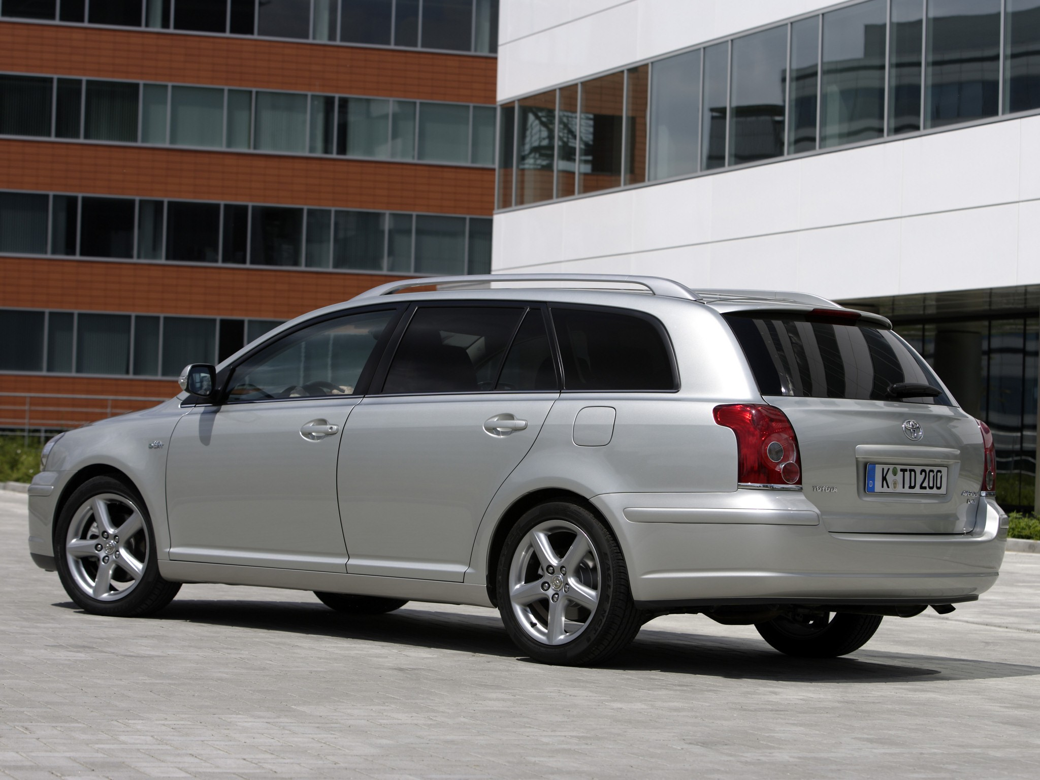 toyota avensis wagon 2006 2007 2008 autoevolution. Black Bedroom Furniture Sets. Home Design Ideas