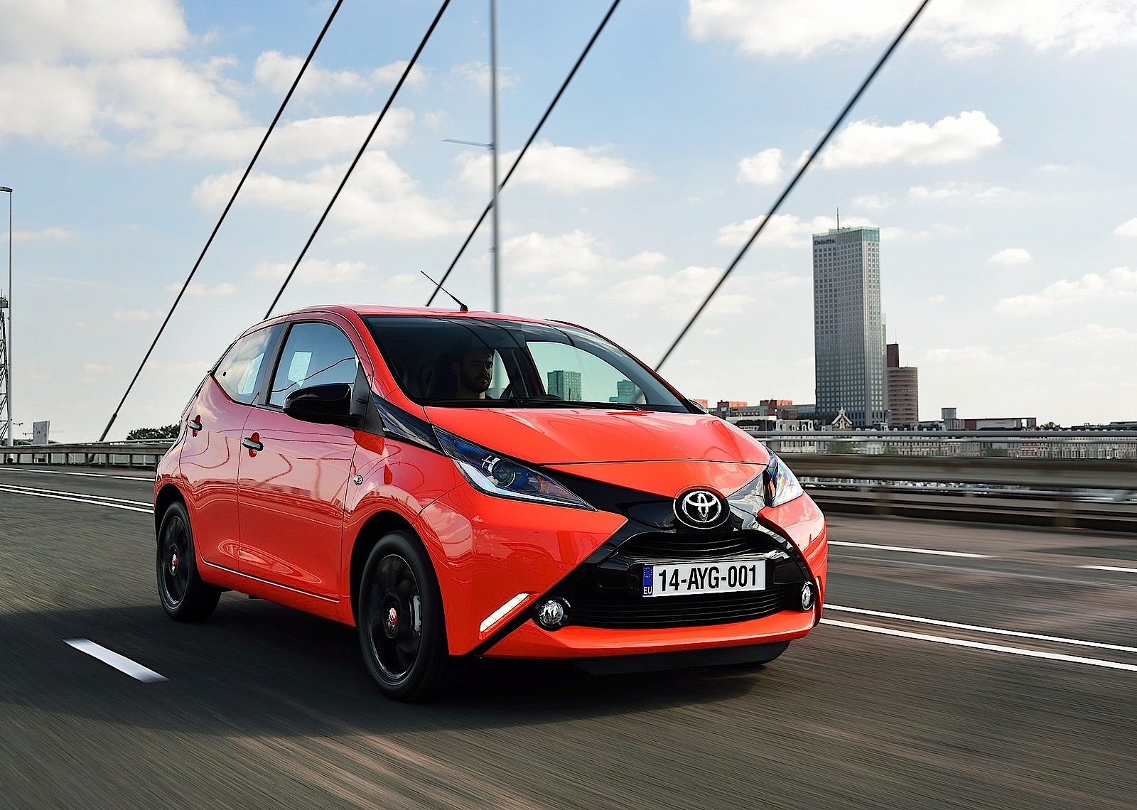 toyota aygo specs 2014 2015 2016 2017 2018. Black Bedroom Furniture Sets. Home Design Ideas