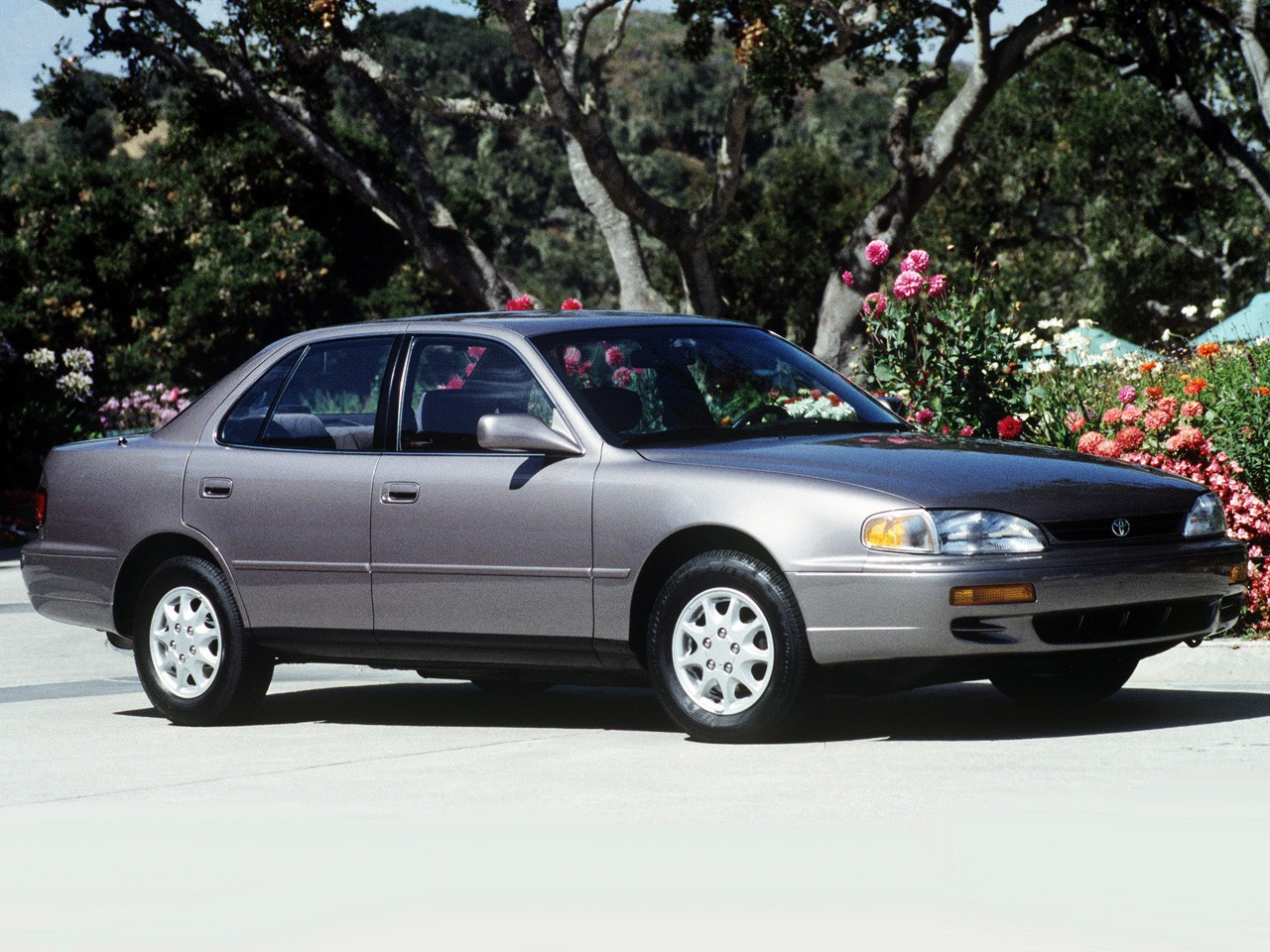 toyota camry specs 1991 1992 1993 1994 1995 1996 autoevolution. Black Bedroom Furniture Sets. Home Design Ideas