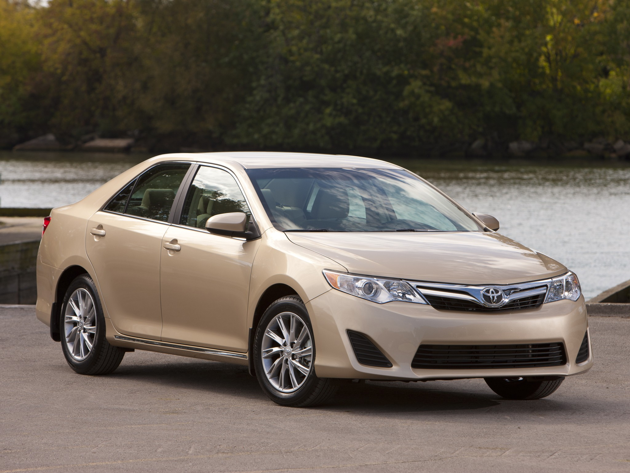 toyota camry specs 2011 2012 2013 2014 autoevolution. Black Bedroom Furniture Sets. Home Design Ideas