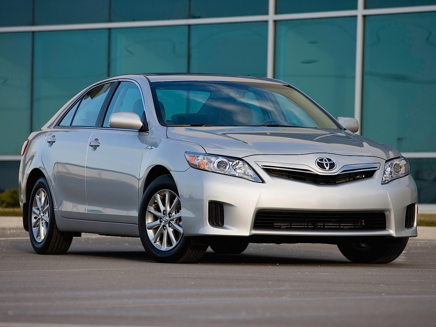 2014 toyota camry hybrid when it will release in the. Black Bedroom Furniture Sets. Home Design Ideas