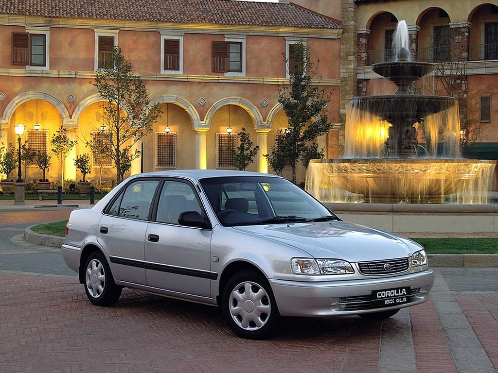 Toyota Corolla Sedan Specs  U0026 Photos