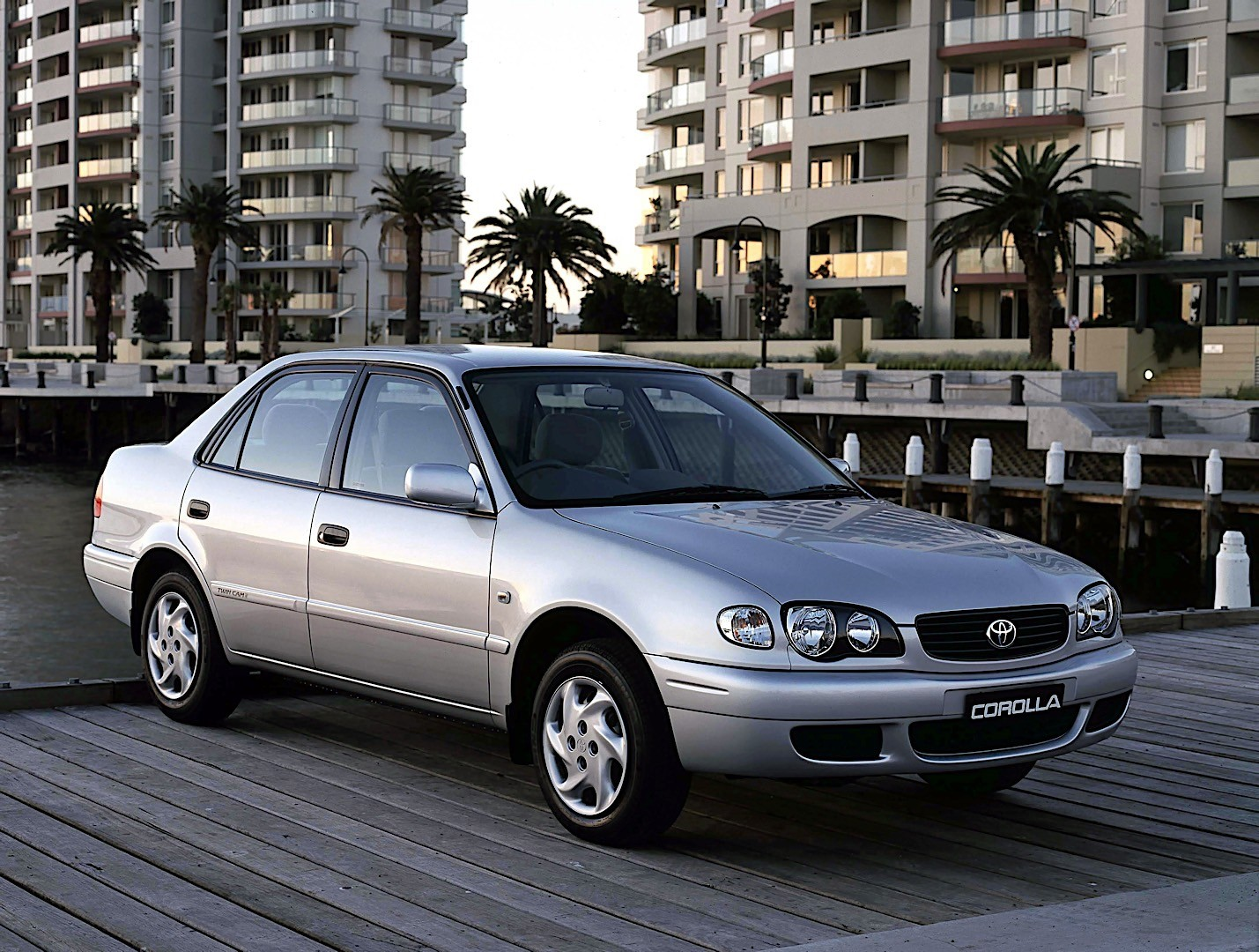 Toyota Corolla Mpg >> TOYOTA Corolla Sedan specs & photos - 2000, 2001, 2002 - autoevolution