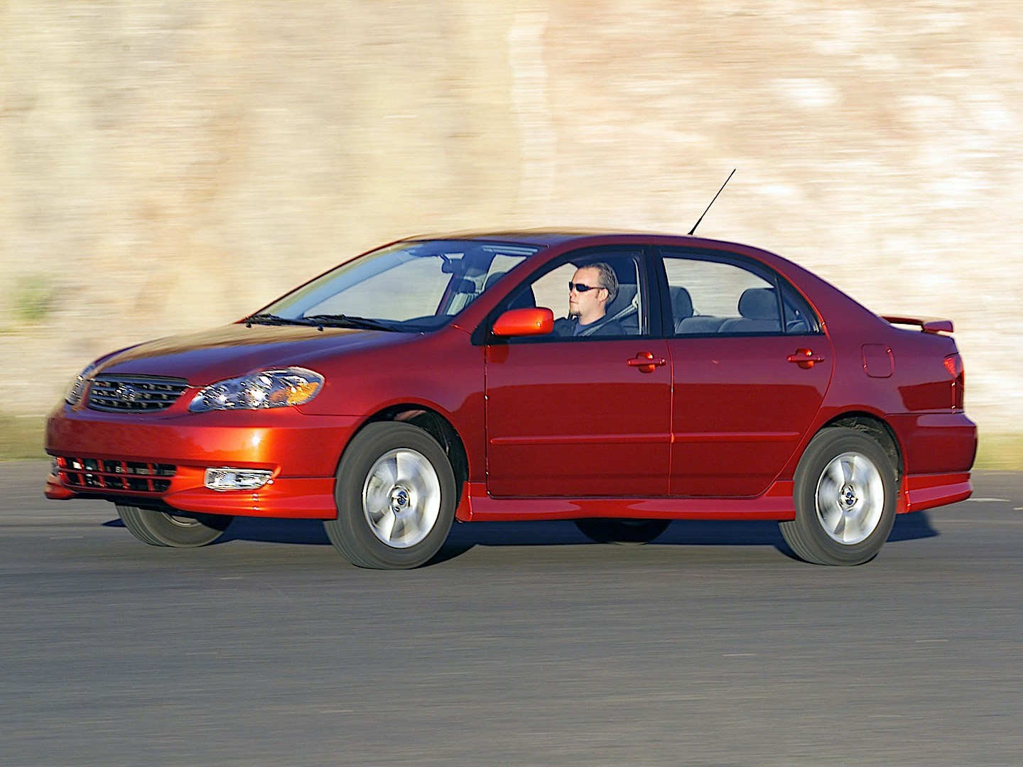 TOYOTA Corolla Sedan specs & photos - 2002, 2003, 2004 ...