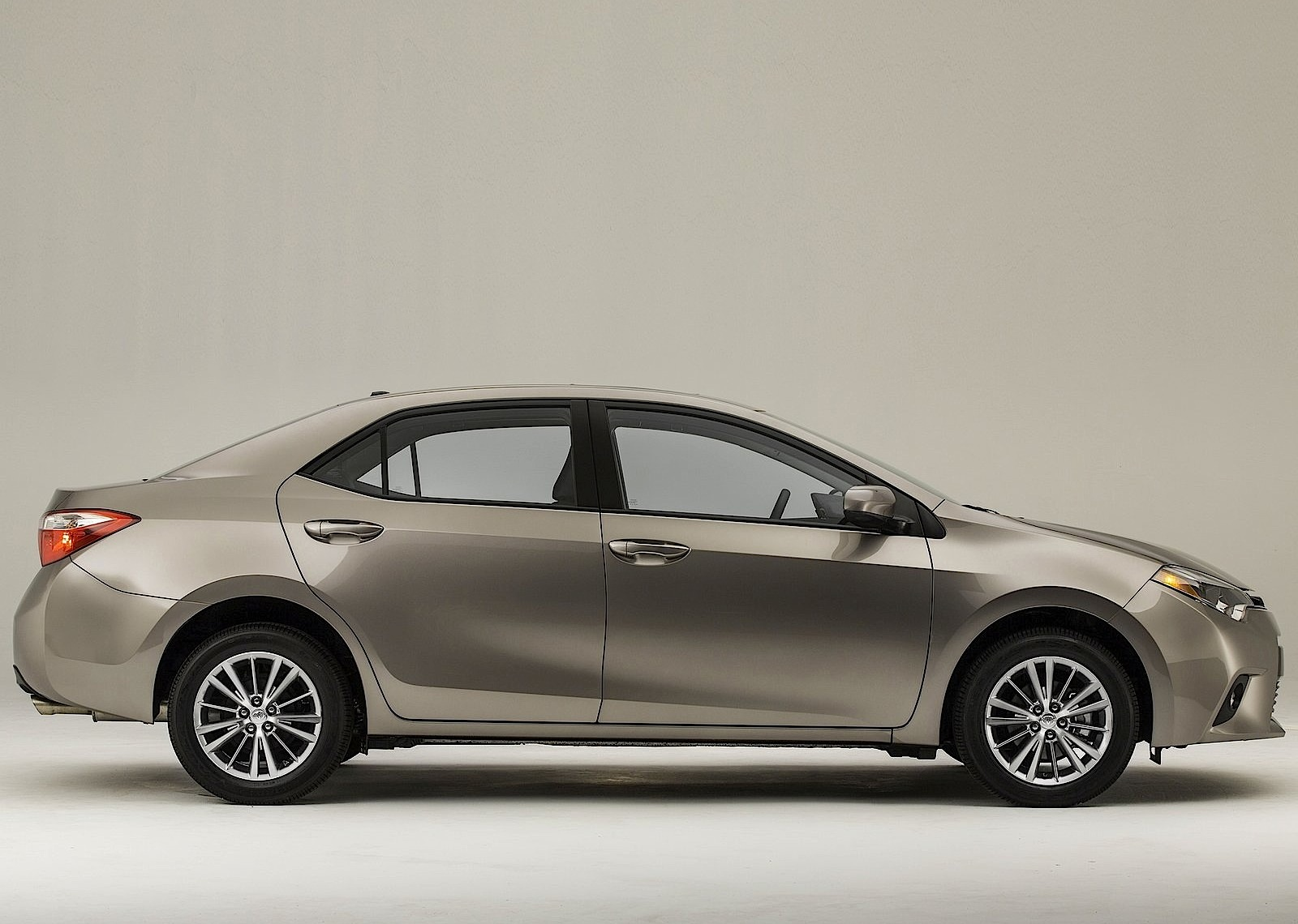 TOYOTA Corolla US specs & photos - 2013, 2014, 2015, 2016 ...
