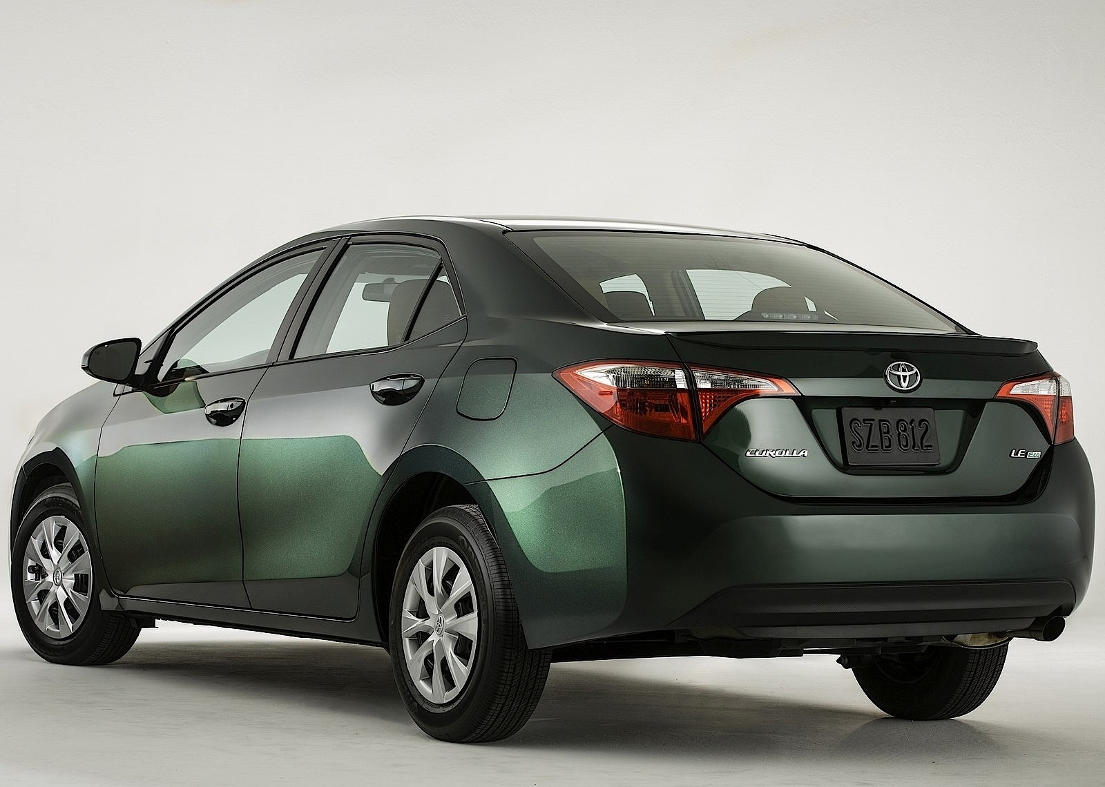 toyota corolla us specs 2013 2014 2015 2016 2017 2018 autoevolution. Black Bedroom Furniture Sets. Home Design Ideas