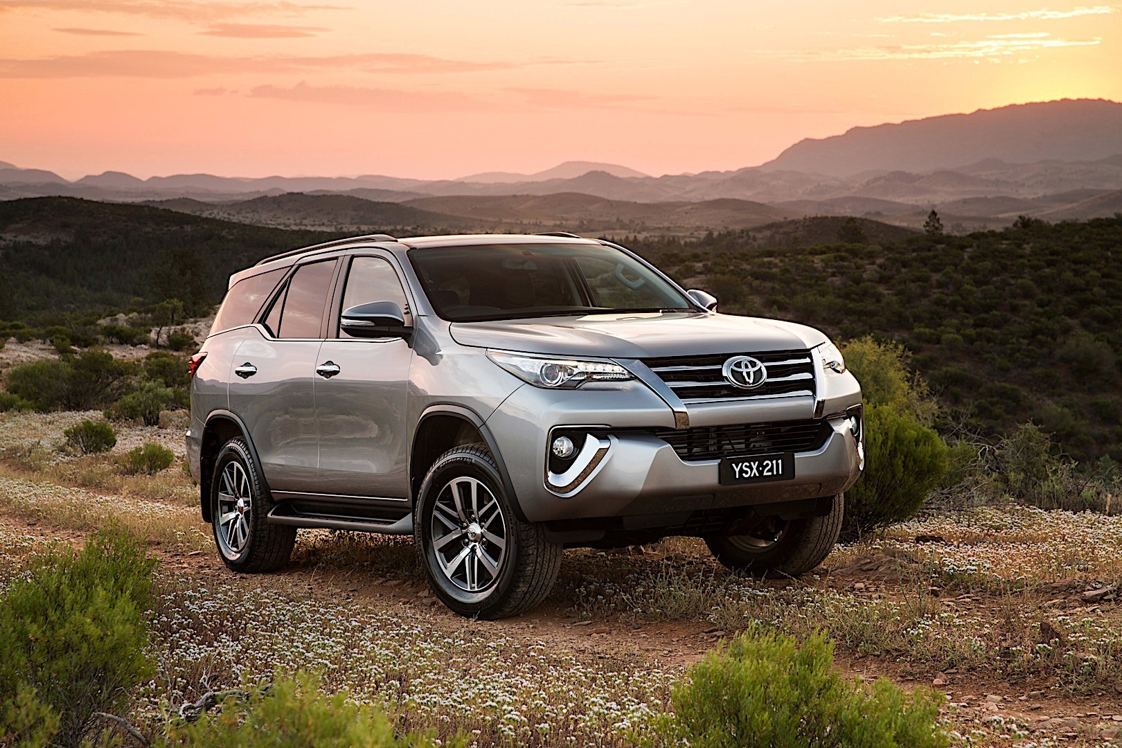 toyota fortuner specs  u0026 photos - 2015  2016  2017  2018  2019  2020