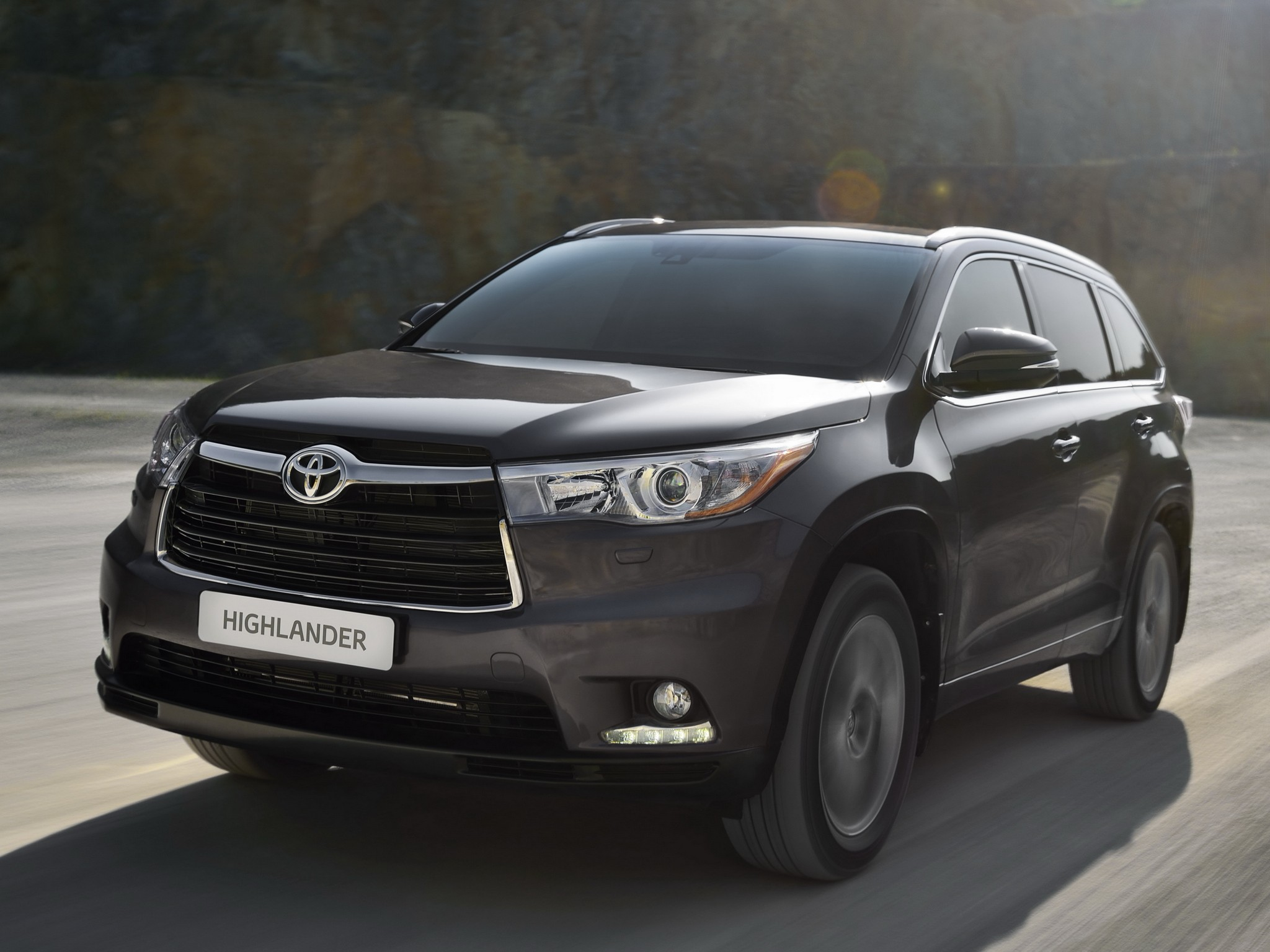 Toyota Highlander Specs Amp Photos 2014 2015 2016