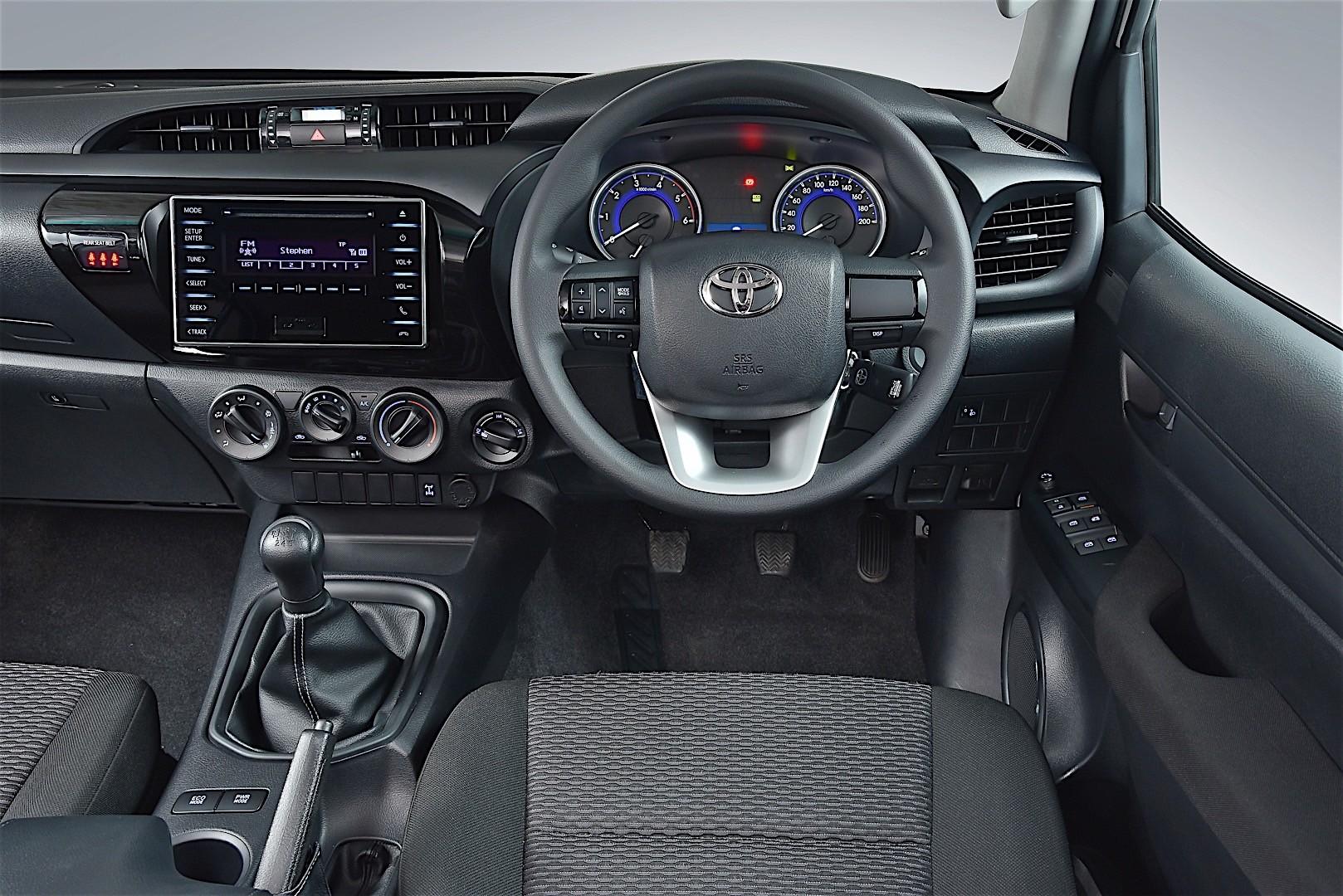 TOYOTA Hilux Double Cab specs - 2015, 2016, 2017, 2018 - autoevolution