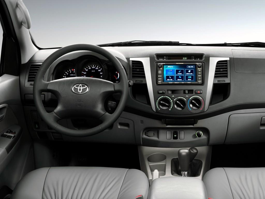 Kekurangan Toyota Hilux 2005 Review