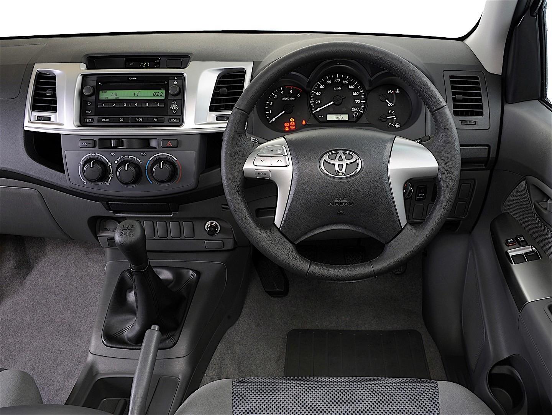 TOYOTA Hilux Extra Cab specs & photos - 2011, 2012, 2013 ...