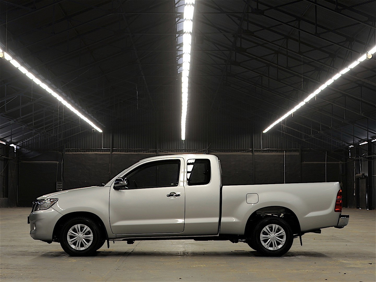 Build A Toyota >> TOYOTA Hilux Extra Cab specs & photos - 2011, 2012, 2013, 2014, 2015 - autoevolution