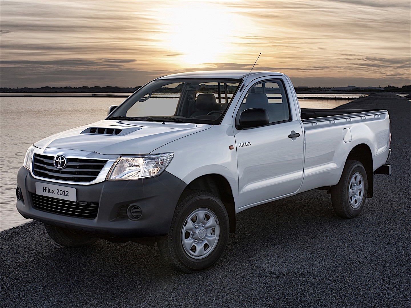 toyota hilux single cab specs - 2011, 2012, 2013, 2014, 2015