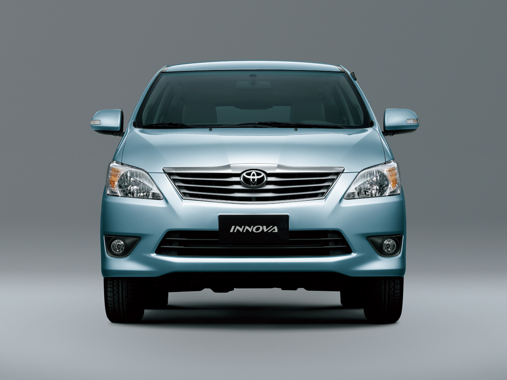 Toyota Innova 2011 2012 2013 Autoevolution
