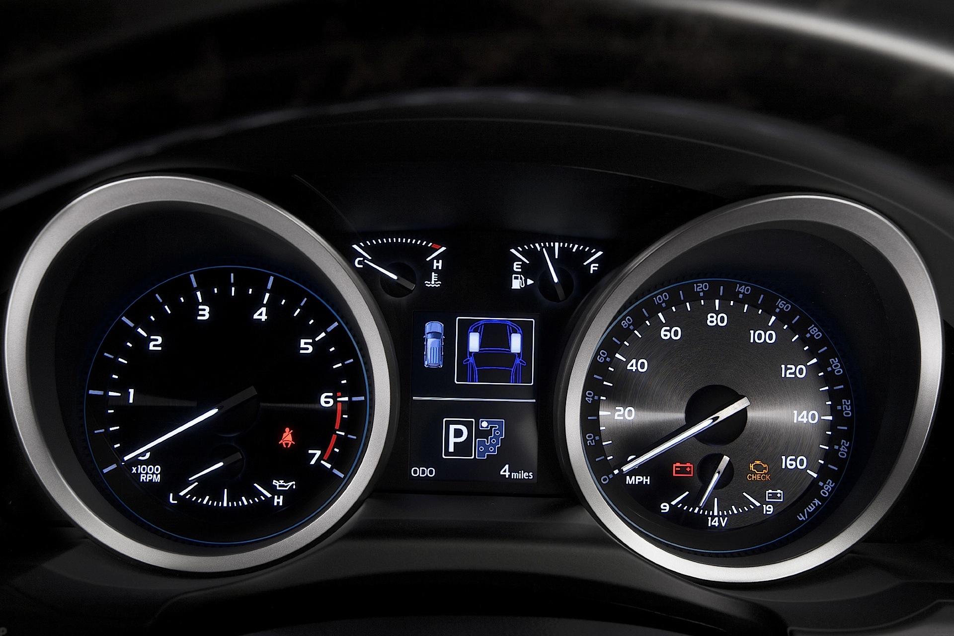 TOYOTA Land Cruiser 200 / V8 - 2007, 2008, 2009, 2010, 2011, 2012 ...