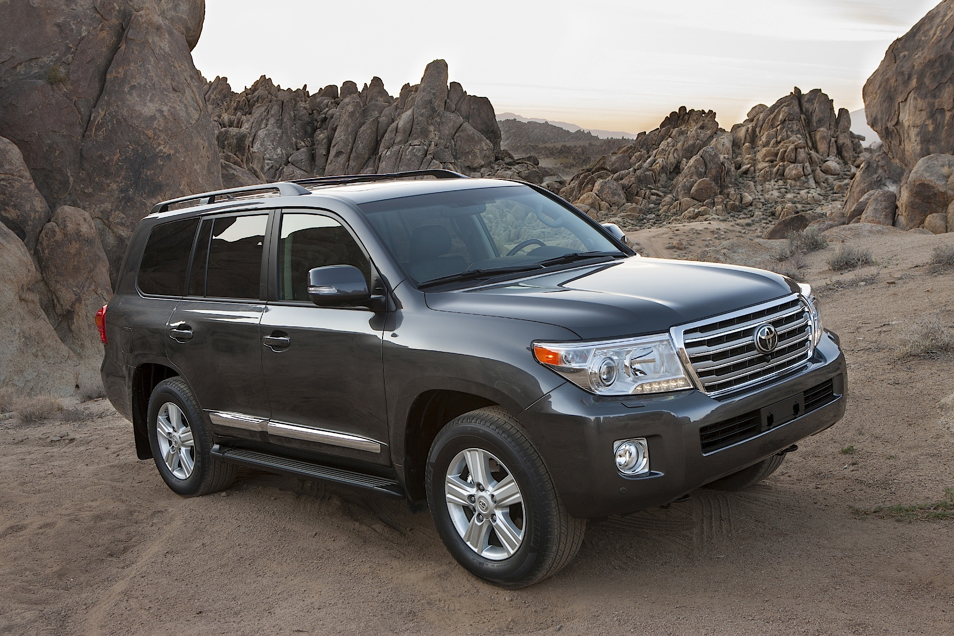 toyota land cruiser 200 v8 2007 2011