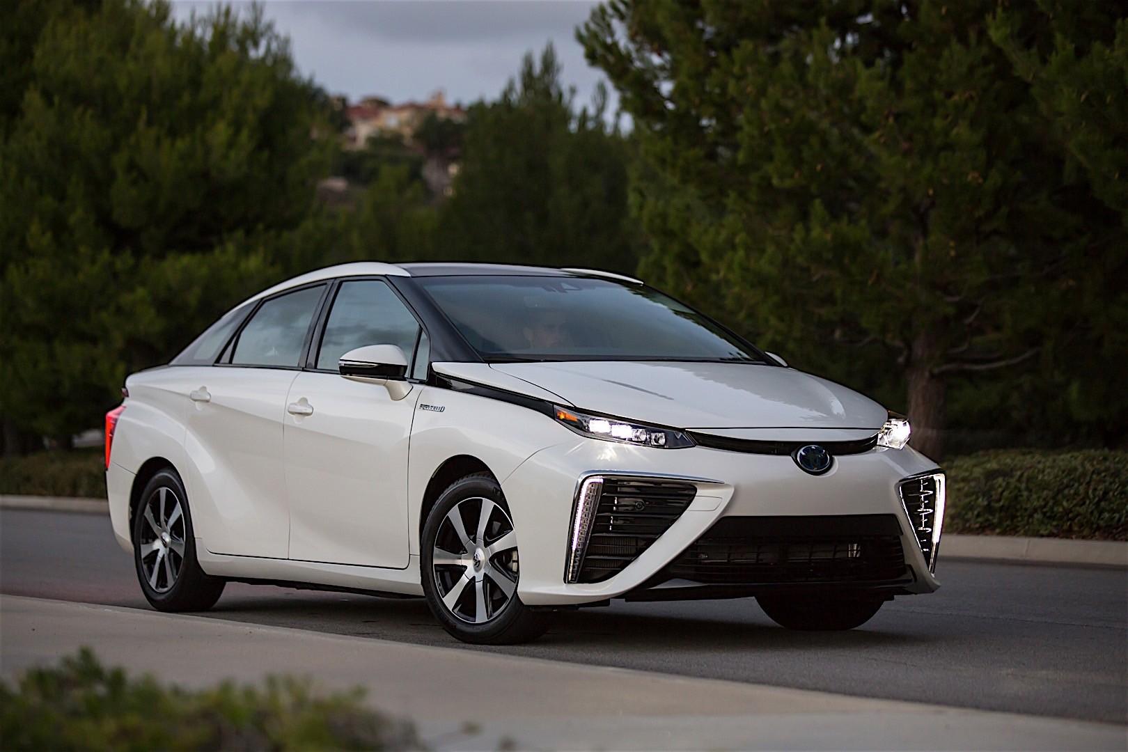 Toyota Mirai 2015 2016 Autoevolution