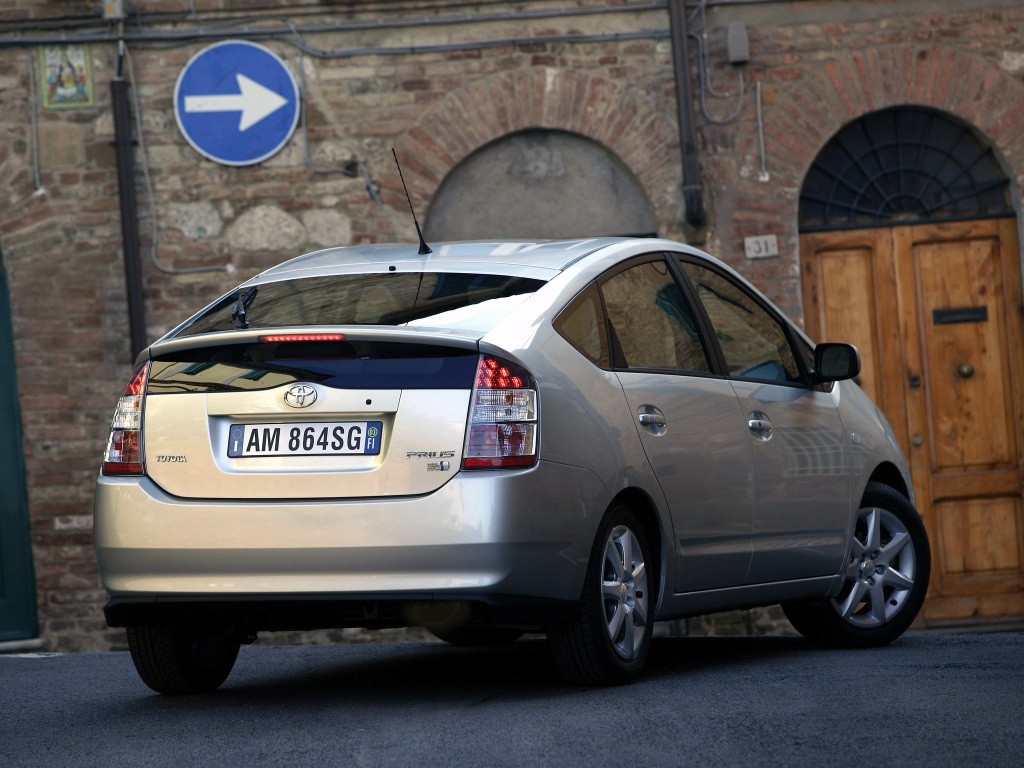 Toyota Prius Specs  U0026 Photos - 2006  2007  2008
