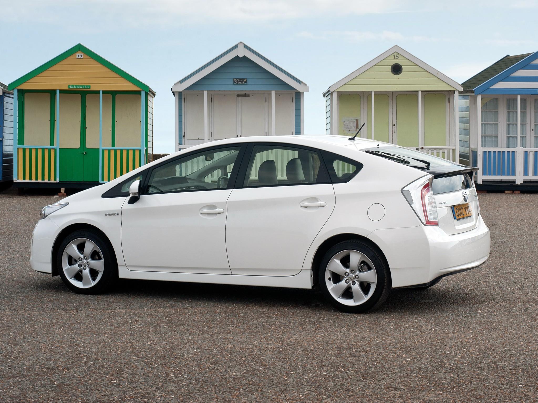 Toyota Prius Specs Amp Photos 2011 2012 2013 2014 2015