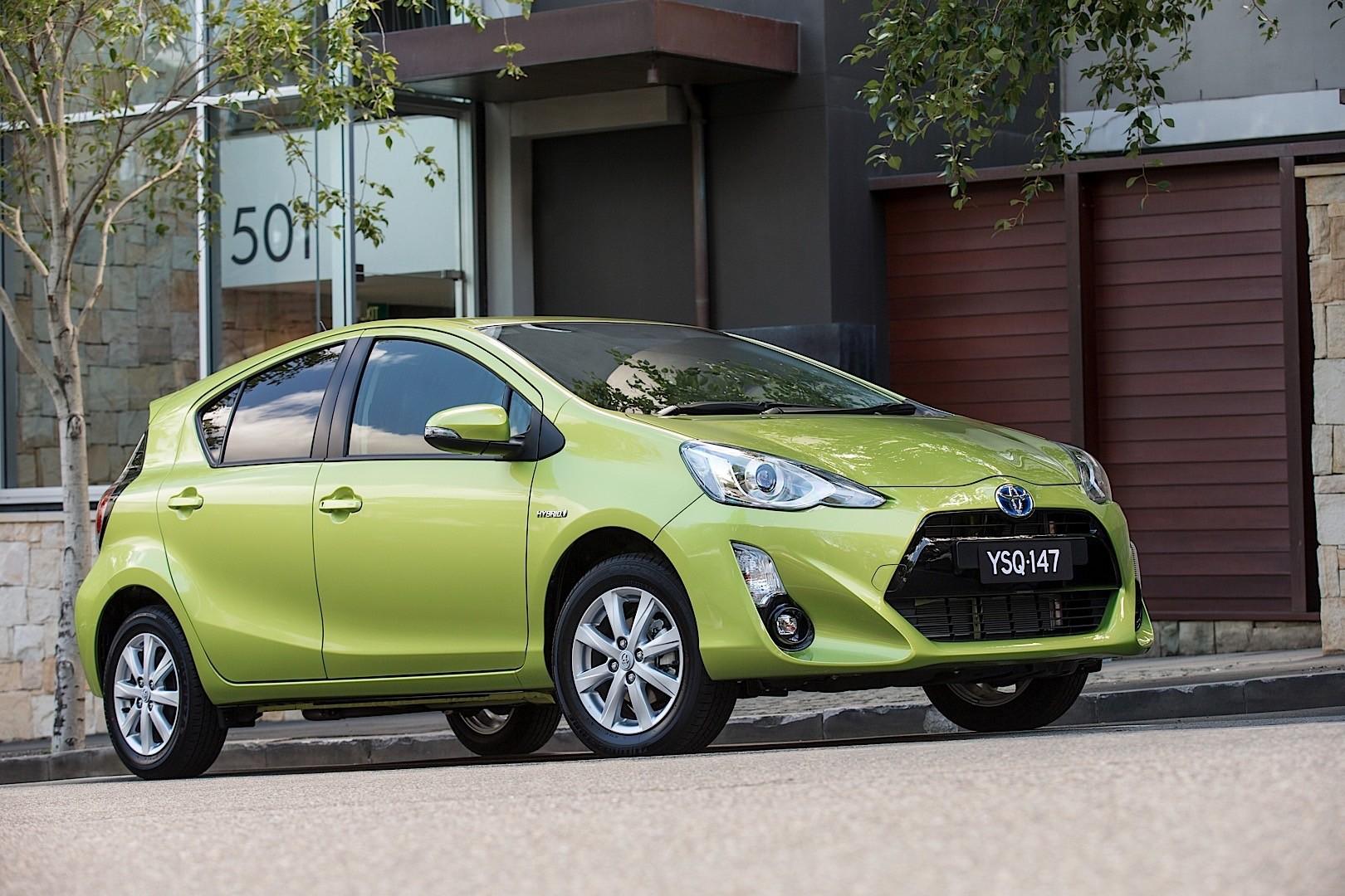 Toyota Prius Hybrid >> TOYOTA Prius C (Aqua) specs & photos - 2015, 2016, 2017 - autoevolution