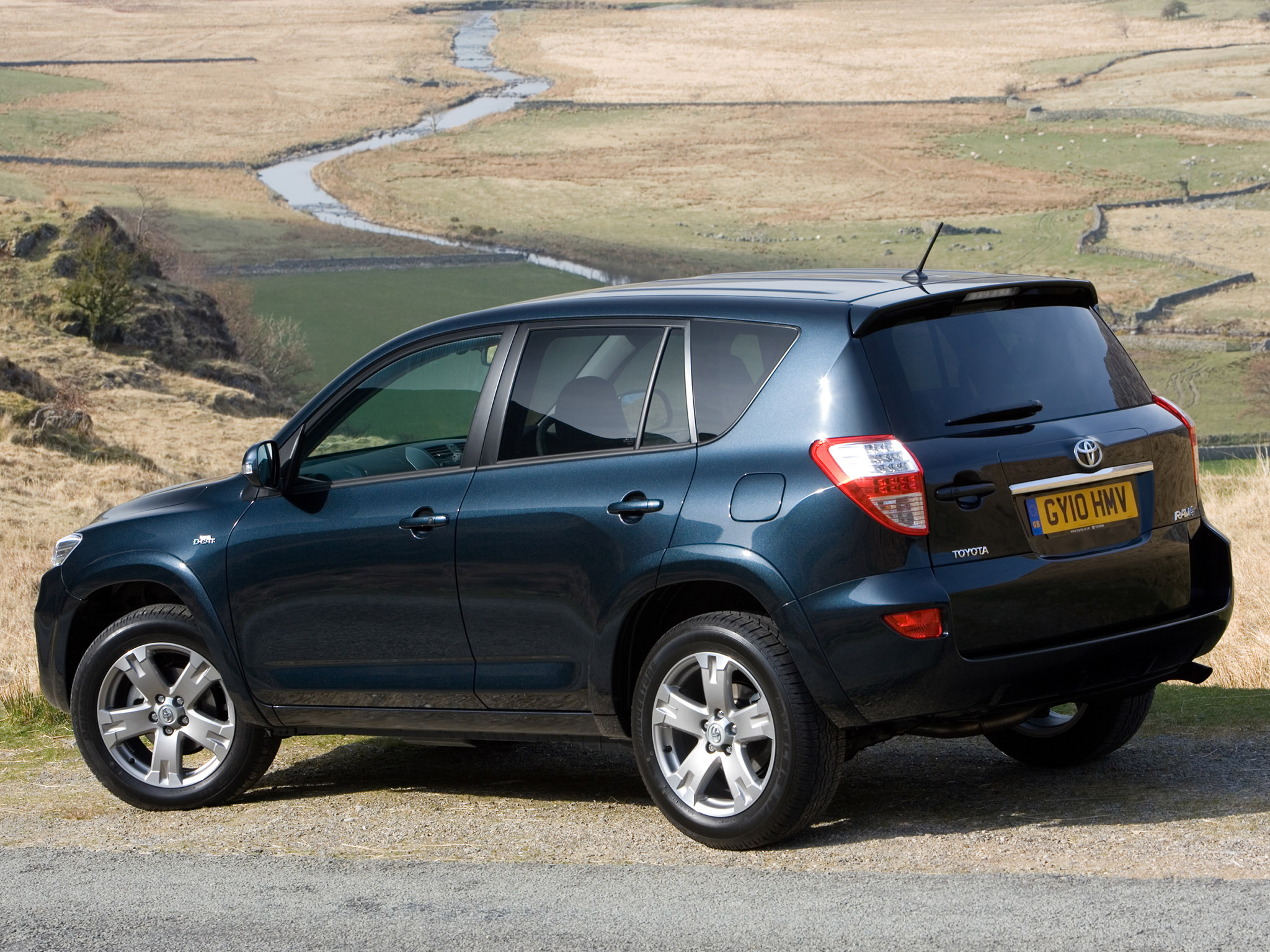 TOYOTA RAV4 5 Doors specs & photos - 2010, 2011, 2012 ...