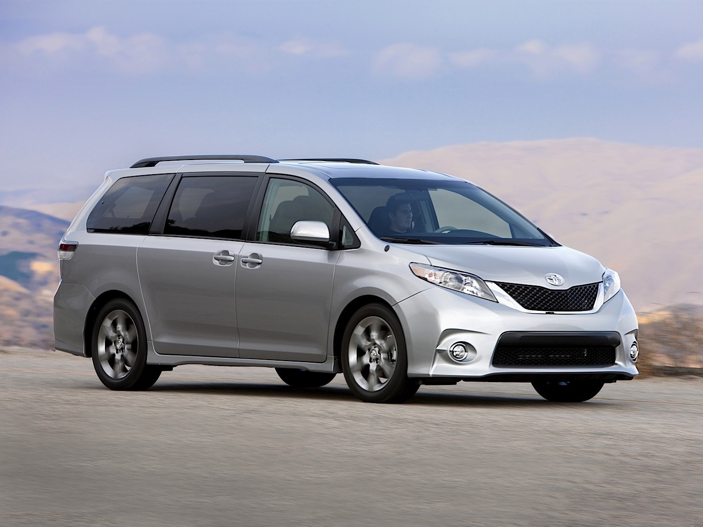 Toyota Sienna 2010 on toyota straight 6 engine