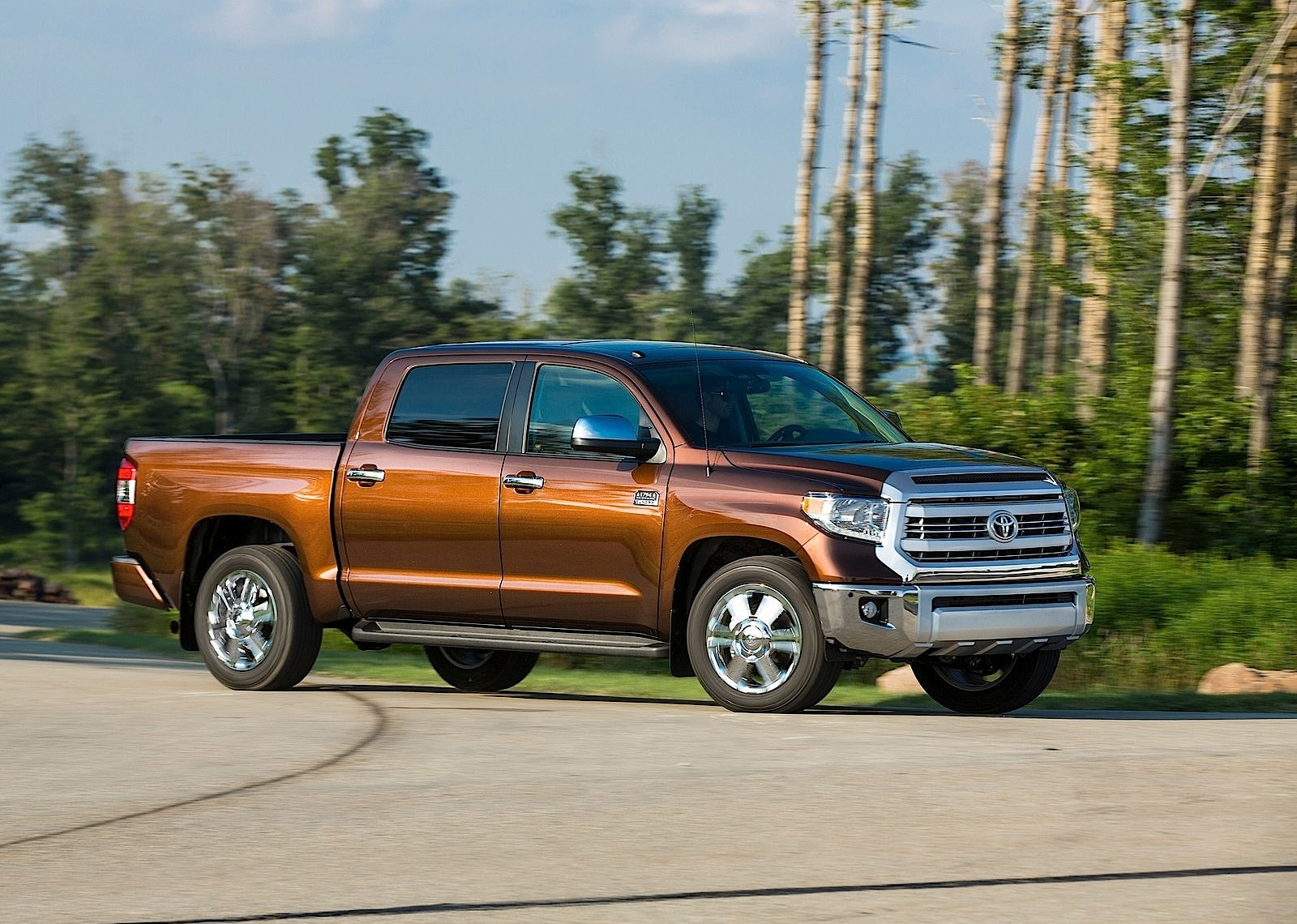 toyota tundra crew cab specs photos 2013 2014 2015. Black Bedroom Furniture Sets. Home Design Ideas