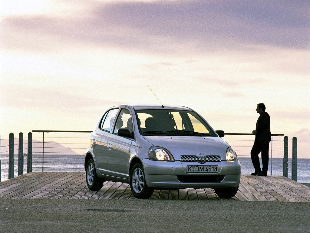 TOYOTA Yaris 5 Doors specs & photos - 1999, 2000, 2001 ...