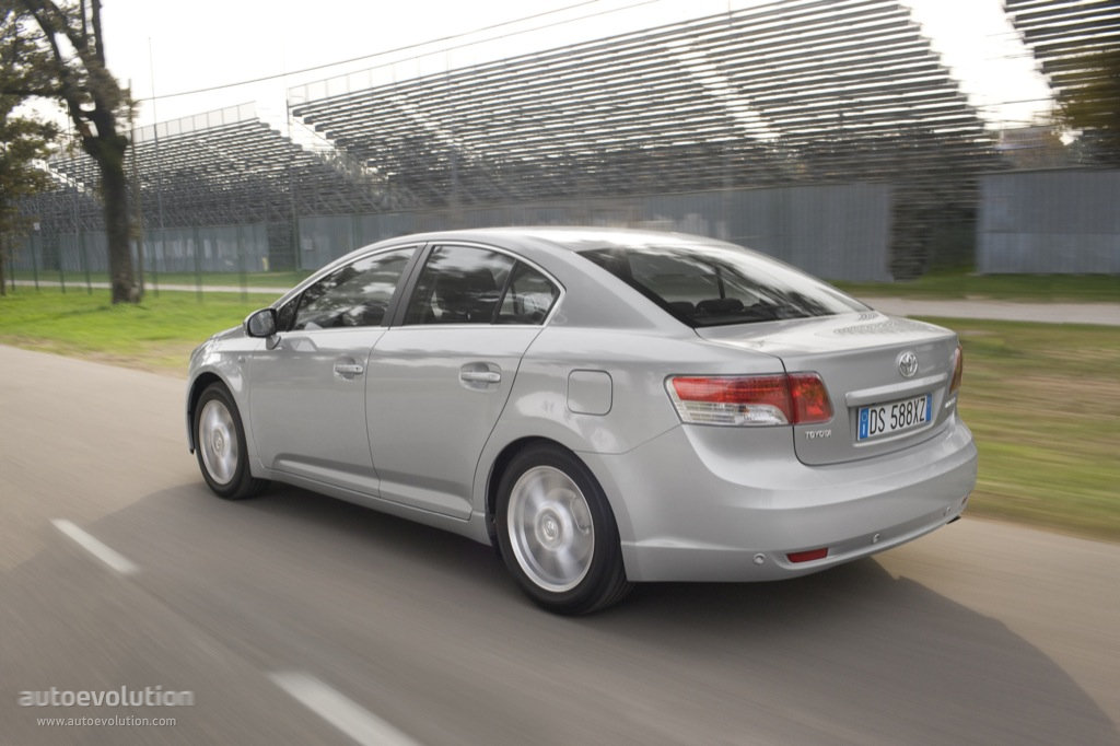 Тойота авенсис 2009 фото