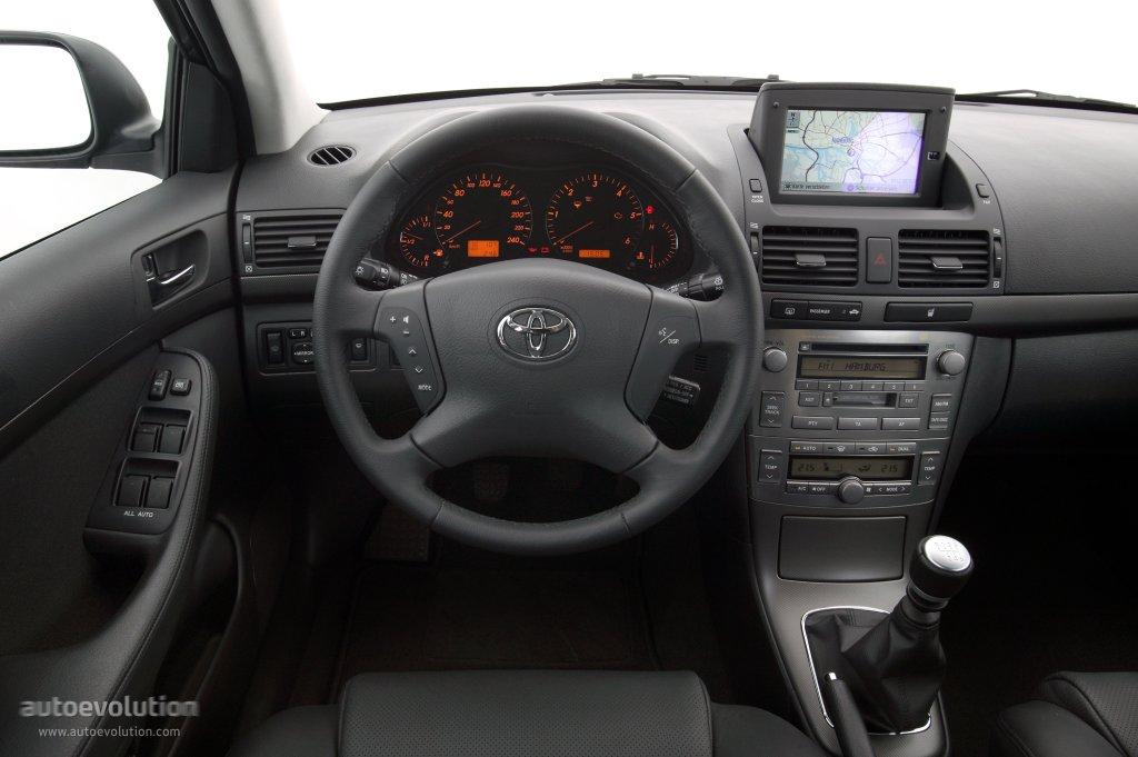 Тойота авенсис 2003 фото