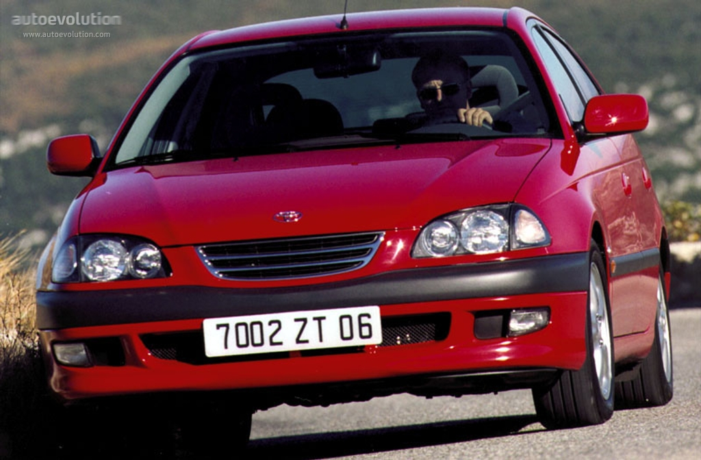 Toyota Avensis Liftback Specs Amp Photos 1997 1998 1999