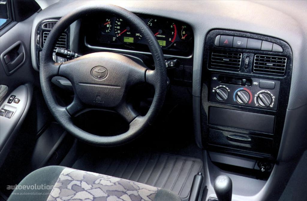 Toyotaavensisliftback