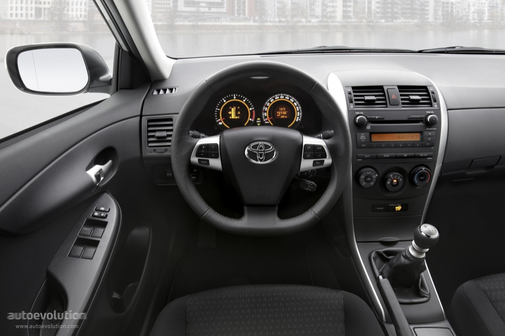 toyota corolla 2013 interior photos