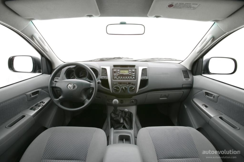 Toyota Hilux 2008 Interior