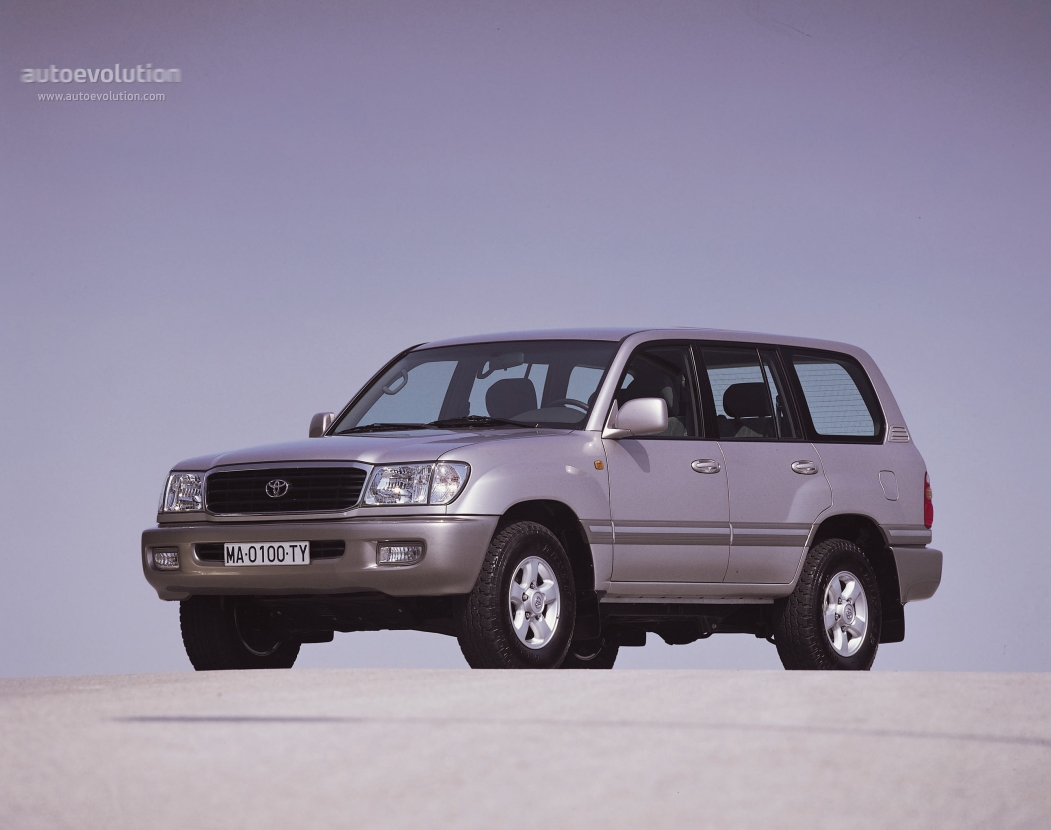TOYOTA Land Cruiser 100 specs & photos - 1998, 1999, 2000 ...