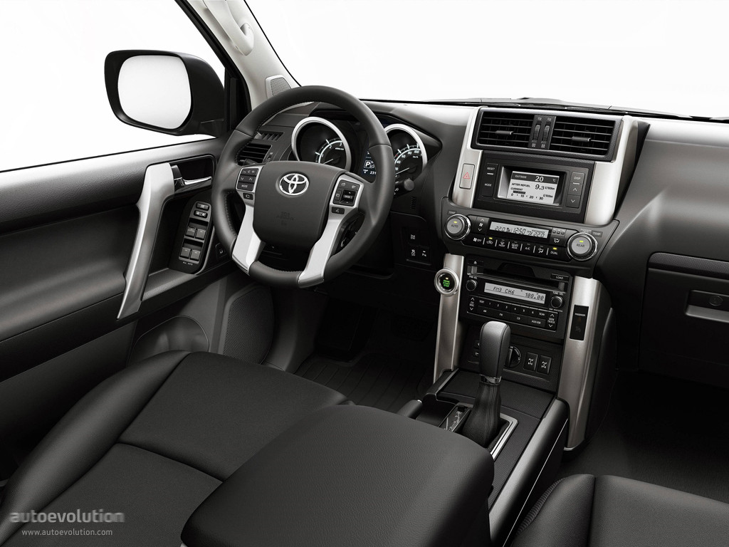 TOYOTA Land Cruiser 150 3 Doors specs & photos - 2009 ...