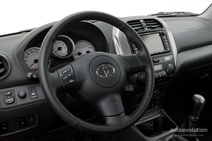 Toyota Rav4 5 Doors Specs Amp Photos 2003 2004 2005