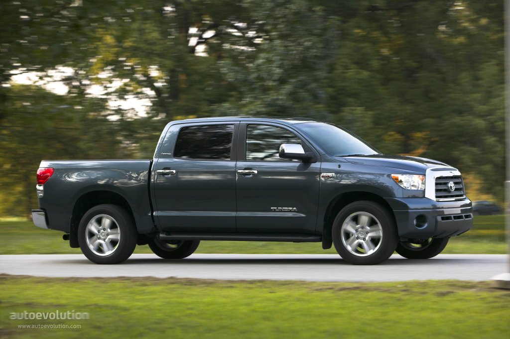 Exceptional ... TOYOTA Tundra Crewmax (2006   2013) ...