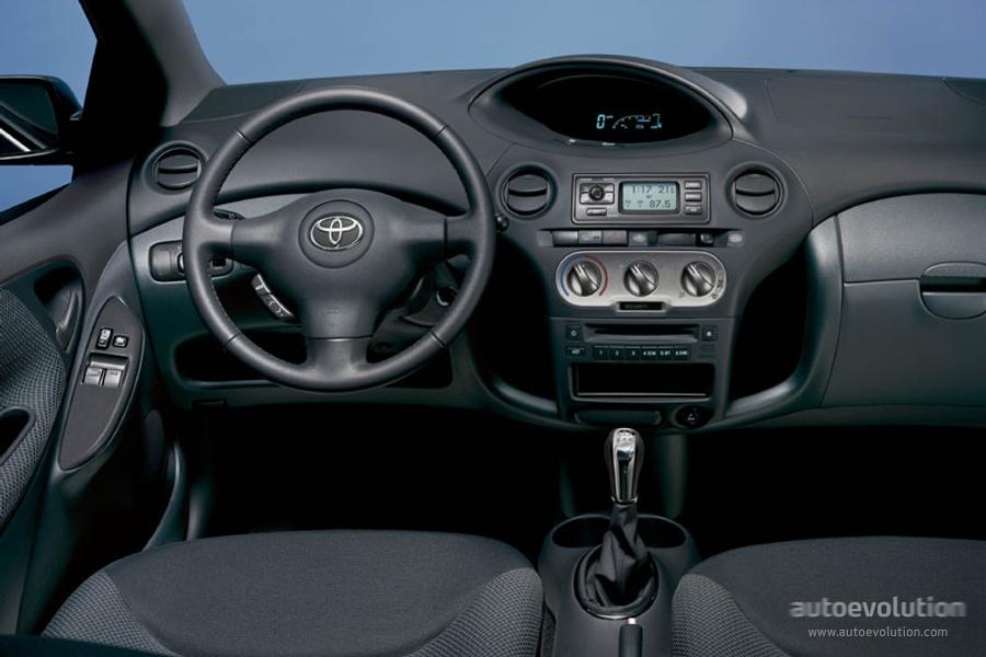 toyota yaris 3 doors specs 2003 2004 2005 autoevolution rh autoevolution com toyota vitz 2005 manual download 2015 Toyota Vitz