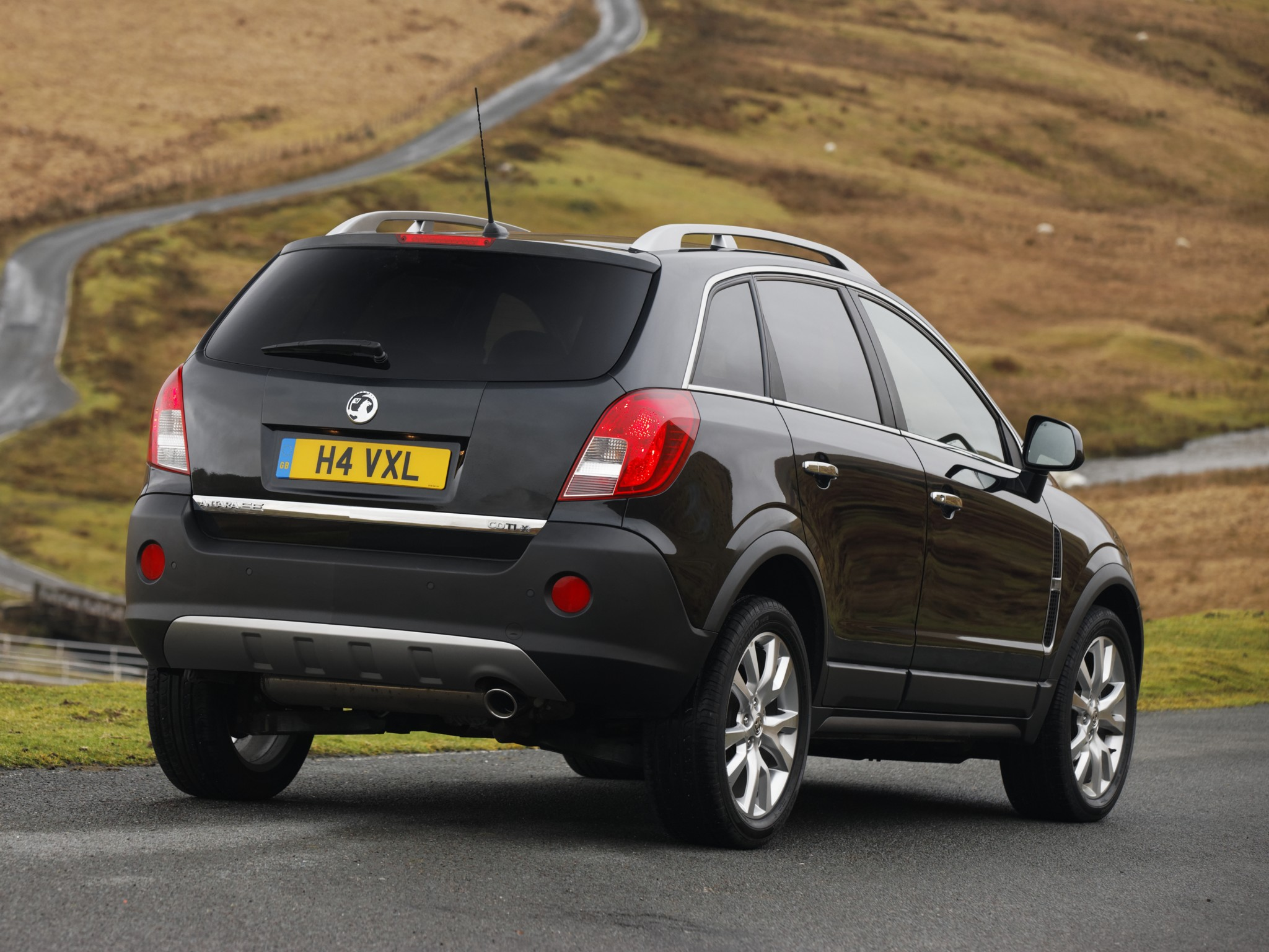 Vauxhall Antara Specs Amp Photos 2010 2011 2012 2013