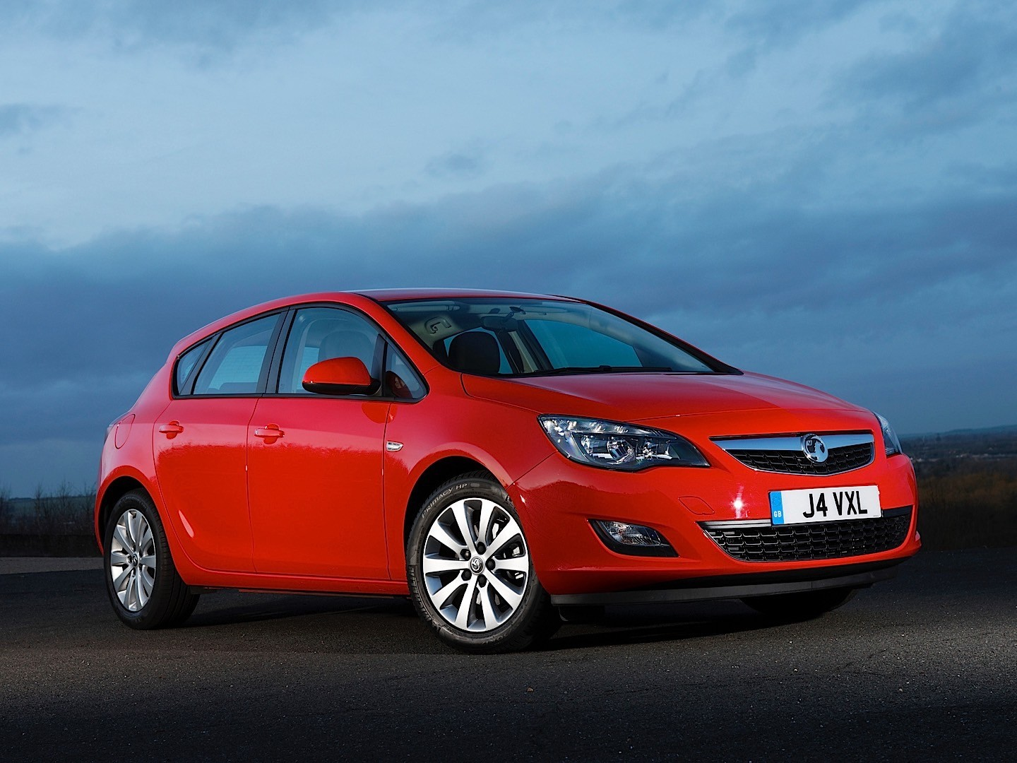 vauxhall astra hatchback specs 2009 2010 2011 2012 2013 2014 2015 autoevolution. Black Bedroom Furniture Sets. Home Design Ideas